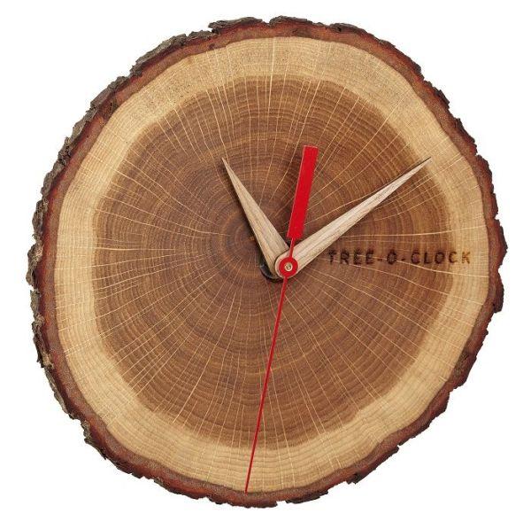 Nástěnné hodiny z dubového dřeva TFA 60.3046.08 Tree-o-clock