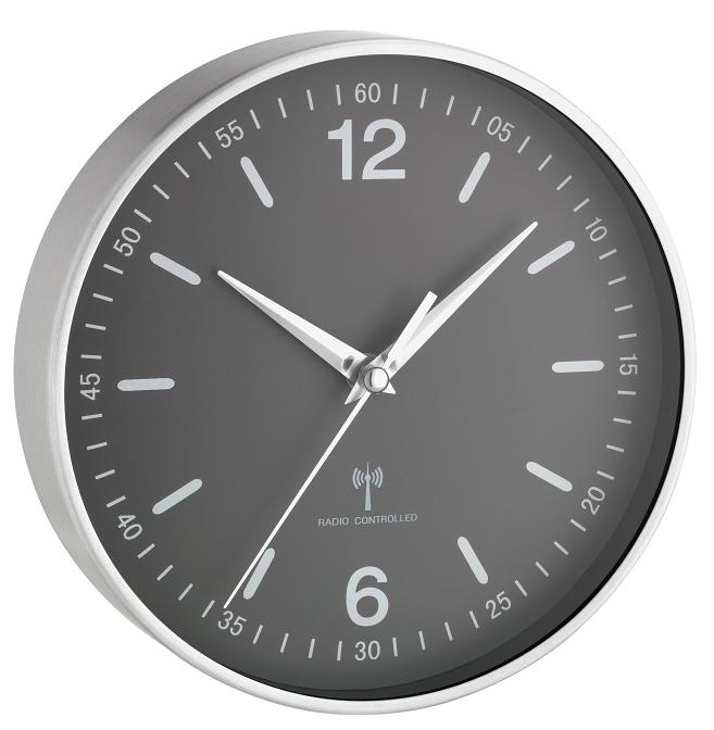 Rádiem řízené nástěnné hodiny TFA 60.3503.10
